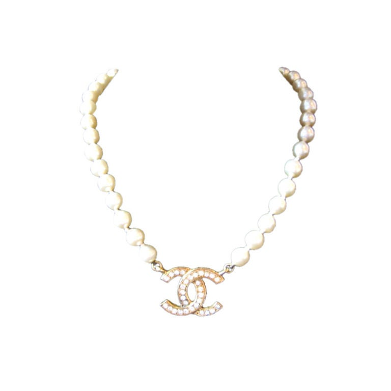 chanel faux pearl necklace at 1stdibs
