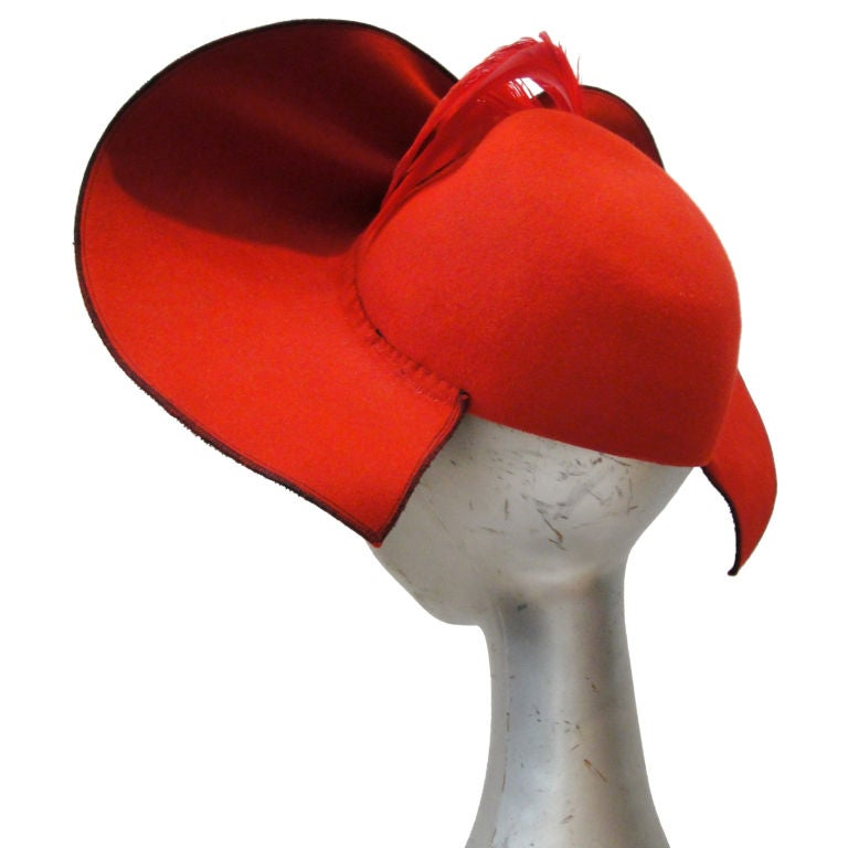 Dramatic 30's Asymetrical Red Felt / Black Velvet Hat 1