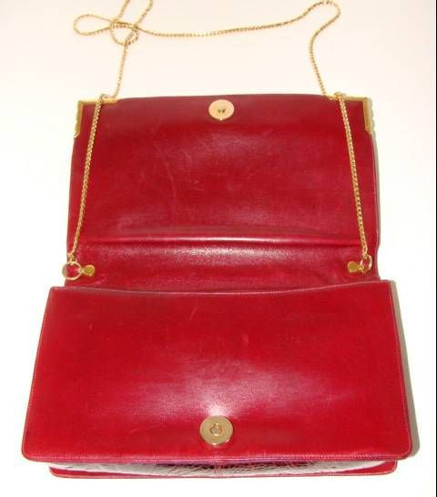 Rouge  Alligator  Shoulder Bag - Judith Leiber for Bonwit Teller For Sale 3
