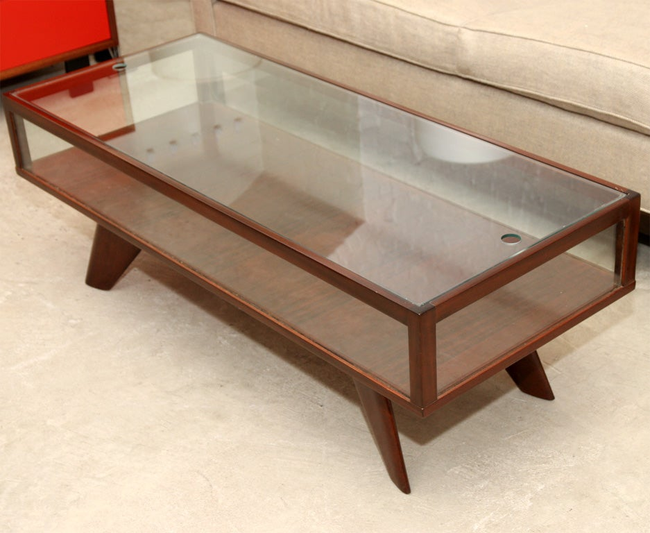 Vladimir kagan walnut and glass vitrine coffee table at for Table vitrine