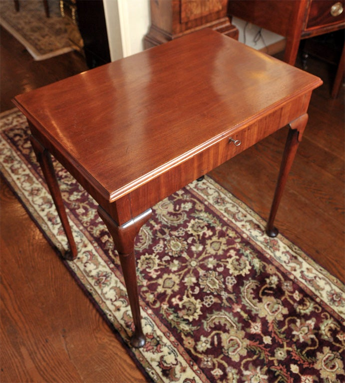 British English Mahogany Dressing Table For Sale
