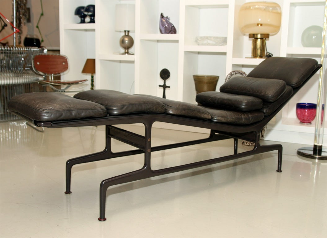 Charles and ray eames billy wilder chaise at 1stdibs - Chaises charles et ray eames ...