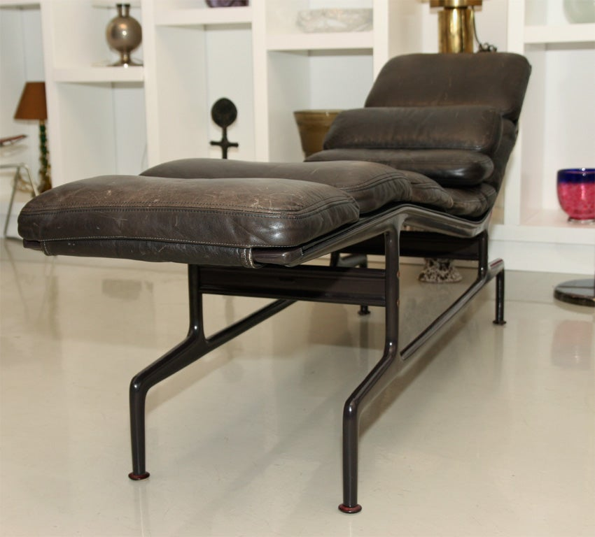 Charles and ray eames billy wilder chaise for sale at for Chaise ray eames