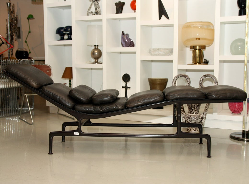 Charles and ray eames billy wilder chaise for sale at 1stdibs - Chaises charles et ray eames ...
