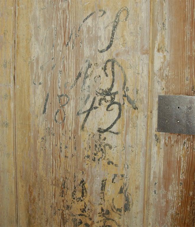19th C. Swedish Gustavian cupboard For Sale 2