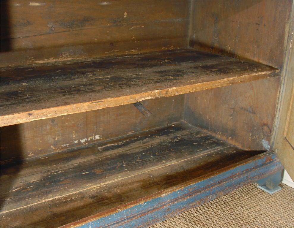 19th C. Swedish Gustavian cupboard For Sale 4