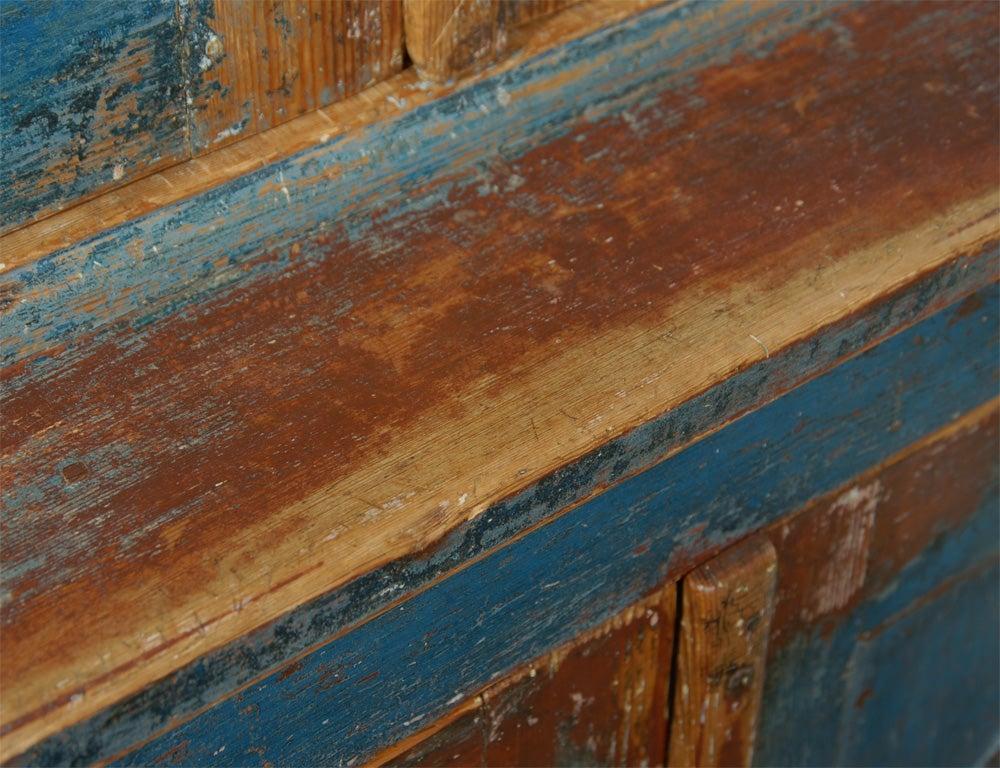 19th C. Swedish Gustavian cupboard For Sale 6