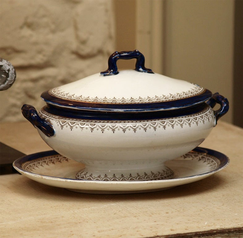 English China Dinner Set For Sale