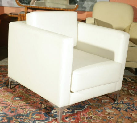 Pair of 1970's Milo Baughman Lounge Chairs image 4