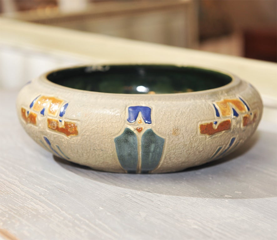 Roseville American Art Pottery Bowl at 1stdibs