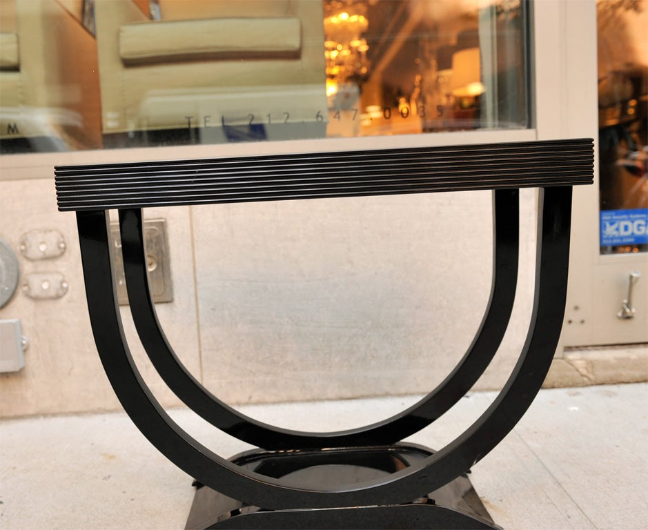 "Art Deco Side Table with ""U"" Shaped Pedestal Base 4"