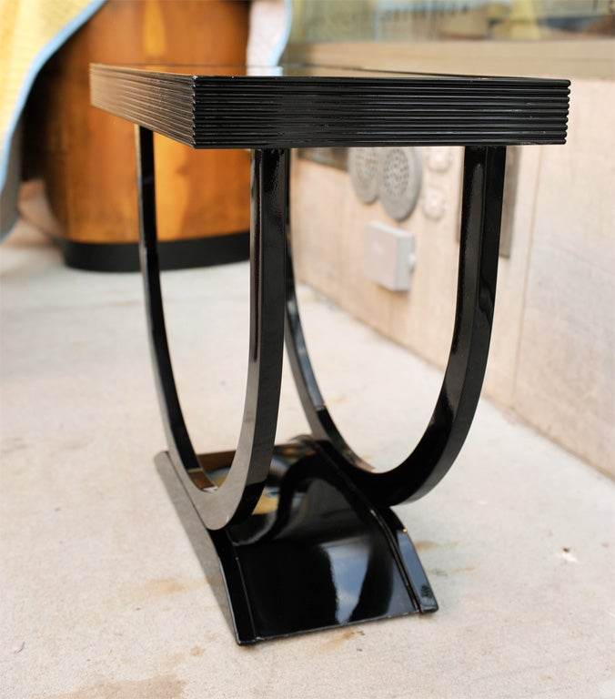 "Art Deco Side Table with ""U"" Shaped Pedestal Base 5"