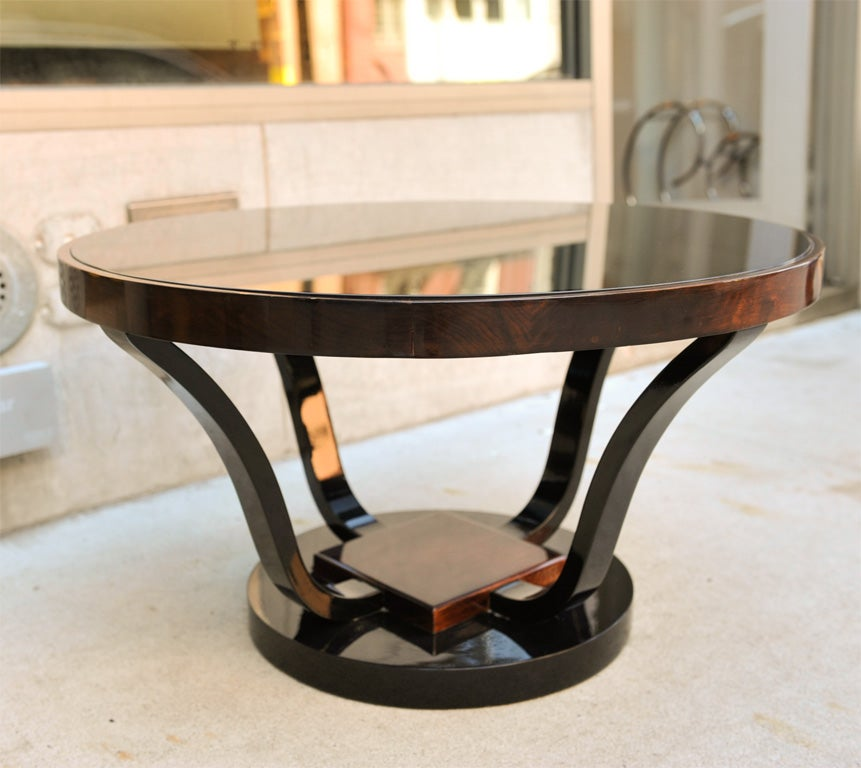 1930 39 S Art Deco Round Cocktail Table With Pedestal Base At 1stdibs
