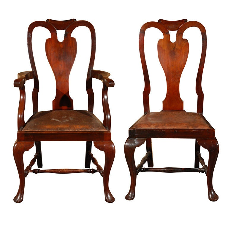 Set of eight queen anne style mahogany dining chairs for Dining room chairs queen anne