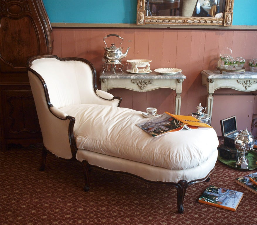 French louis xv style chaise longue at 1stdibs for Chaises louis xv cannees