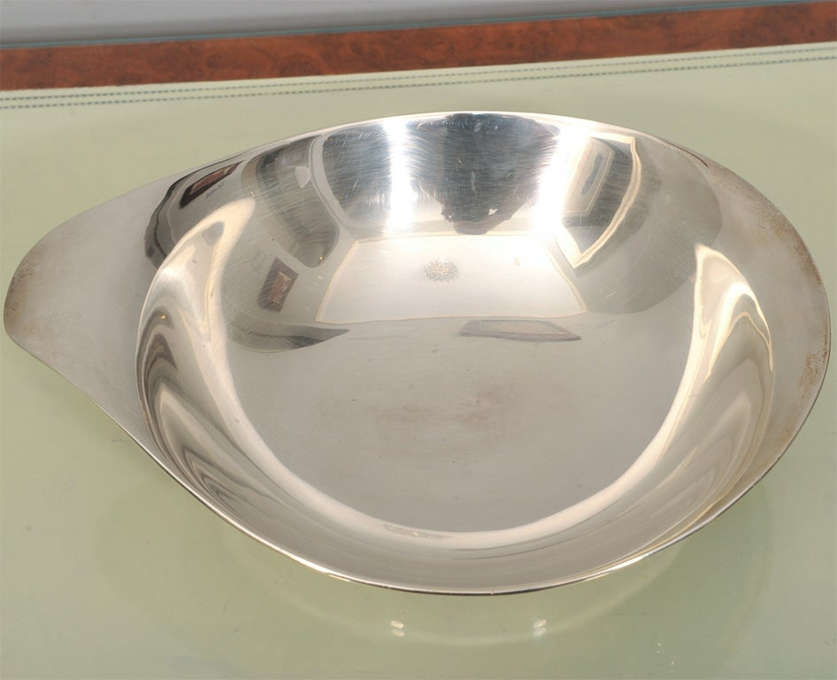 American Mid-Century Modern Hand-Wrought Sterling Silver Bowl by Allan Adler For Sale