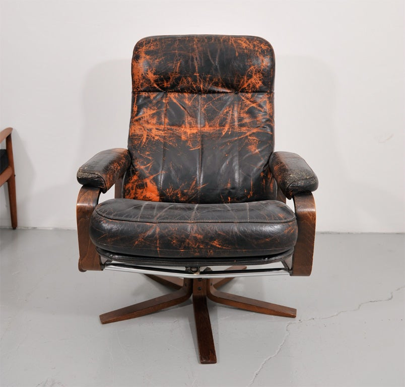 Retro Danish Leather Swivel Lounge Chair 2