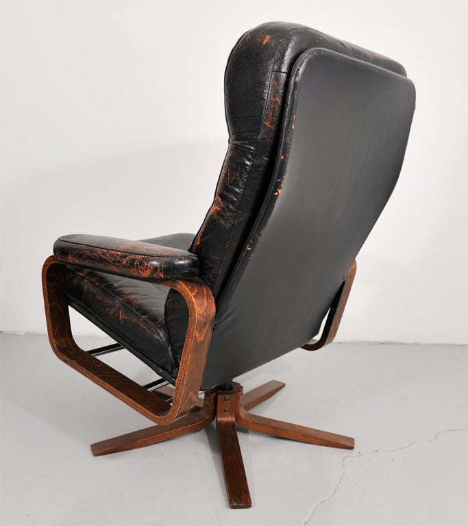 Retro Danish Leather Swivel Lounge Chair 7