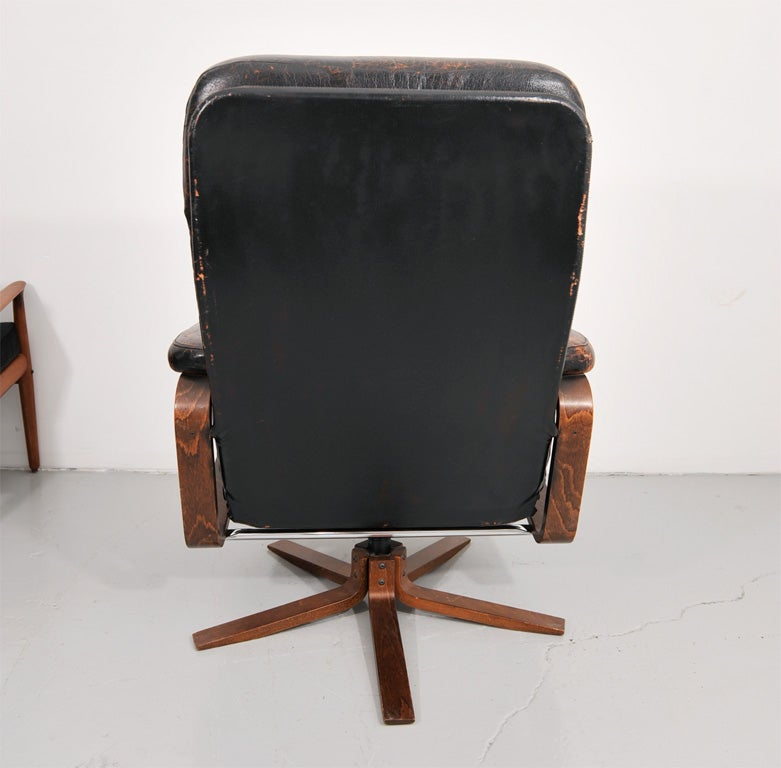 Retro Danish Leather Swivel Lounge Chair 8