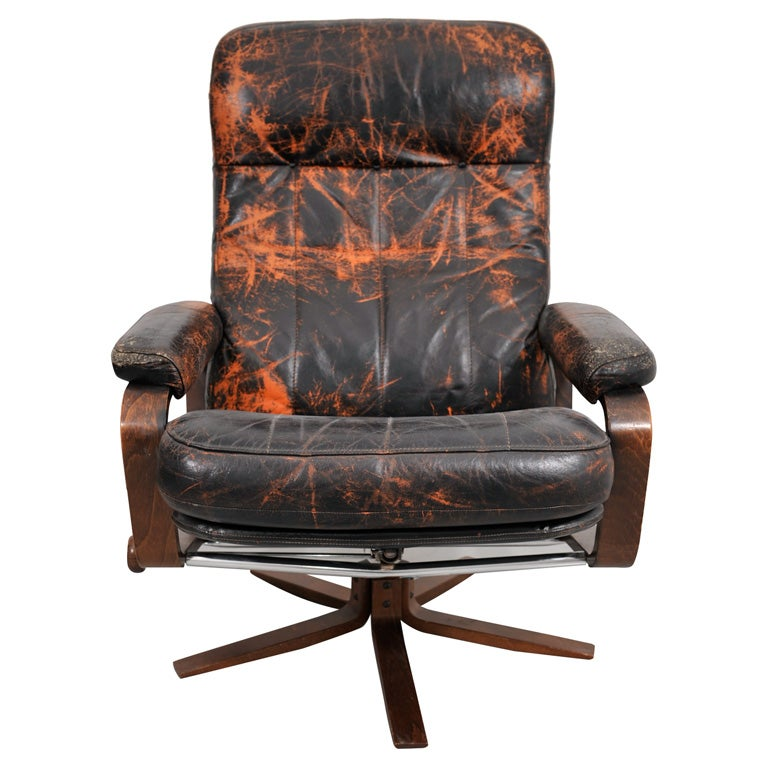 Retro Danish Leather Swivel Lounge Chair 1