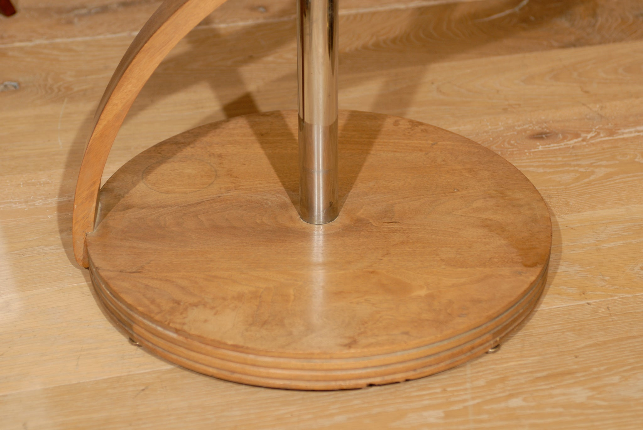 CONTEMPORARY TABLE, BLEACHED MAHOGANY, ROSE GLASS 8