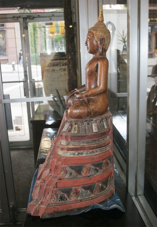 18th Century Thai Carved Teak Wood Seated Buddha Calling the Earth to Witness In Good Condition For Sale In Yonkers, NY