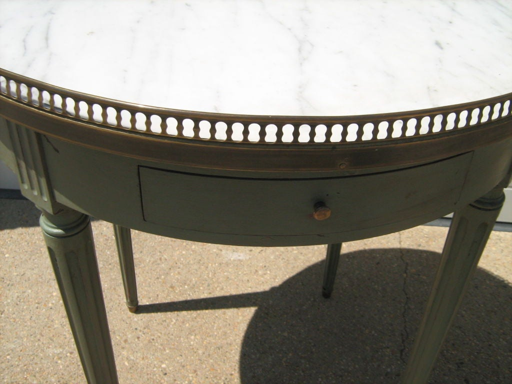 Pair of marble top round side tables at 1stdibs for Round marble side table