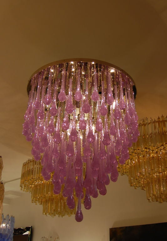 Toso Large Amethyst Glass Teardrop Chandelier In Excellent Condition For Sale In New York, NY