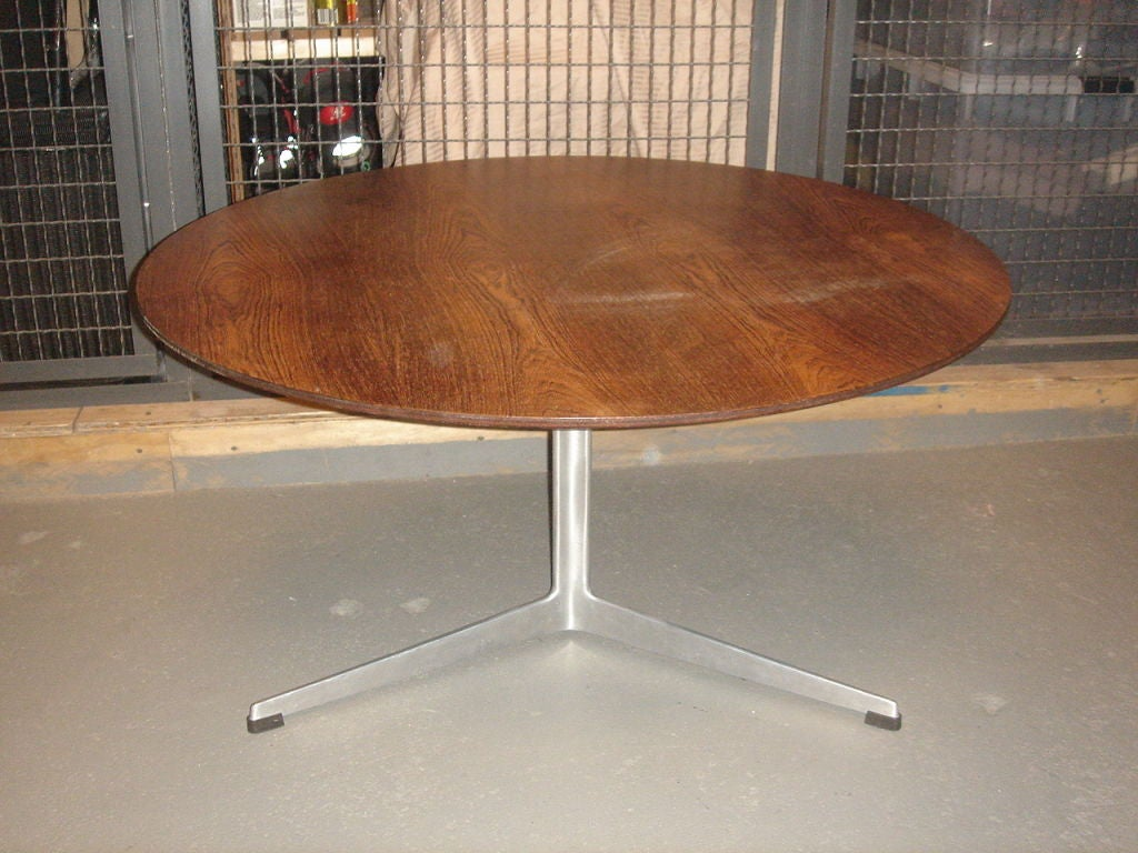 Vintage Rosewood Coffee Table By Arne Jacobsen For Fritz Hansen At 1stdibs
