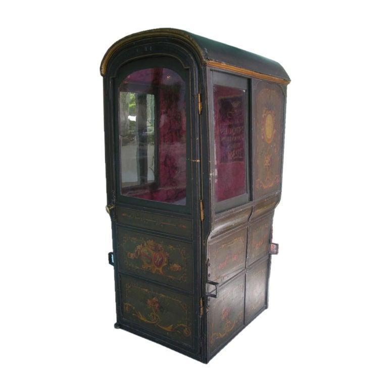 18th century louis xvi period french sedan chair for Chaise a porteur