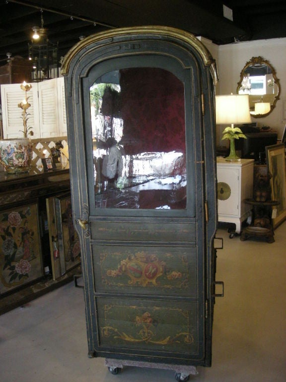 18th Century Louis XVI Period French Sedan Chair In Good Condition For Sale In West Palm Beach, FL