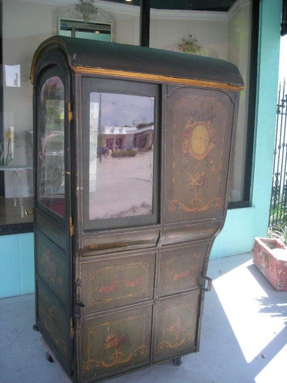 18th Century Louis XVI Period French Sedan Chair For Sale 1