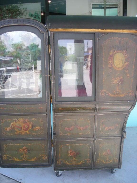 18th Century Louis XVI Period French Sedan Chair For Sale 3