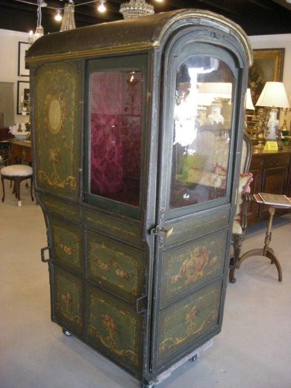 18th Century Louis XVI Period French Sedan Chair For Sale 4