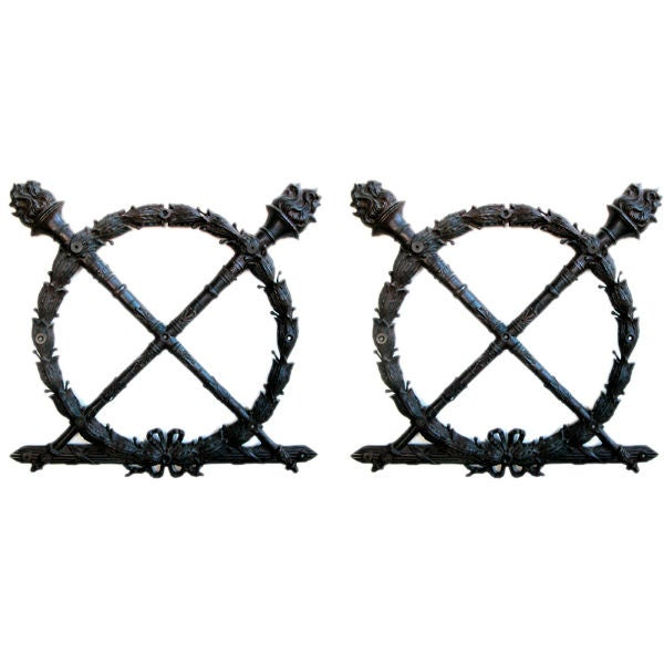 A Heraldic Pair of  French Louis XVI Style Bronze Laurel Wreaths For Sale