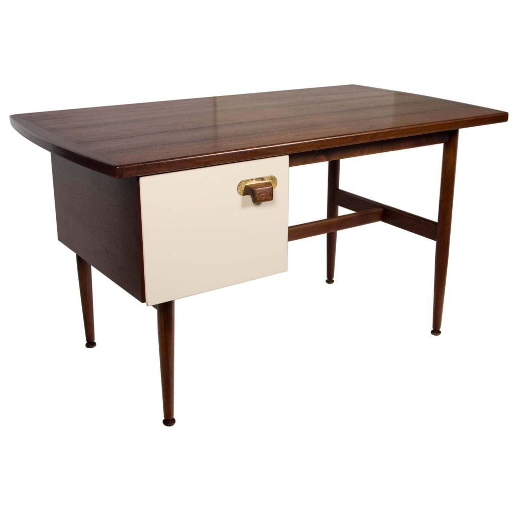 student writing desk Find a wide array of student desks, teacher desks at low prices from school specialty click above to purchase now.
