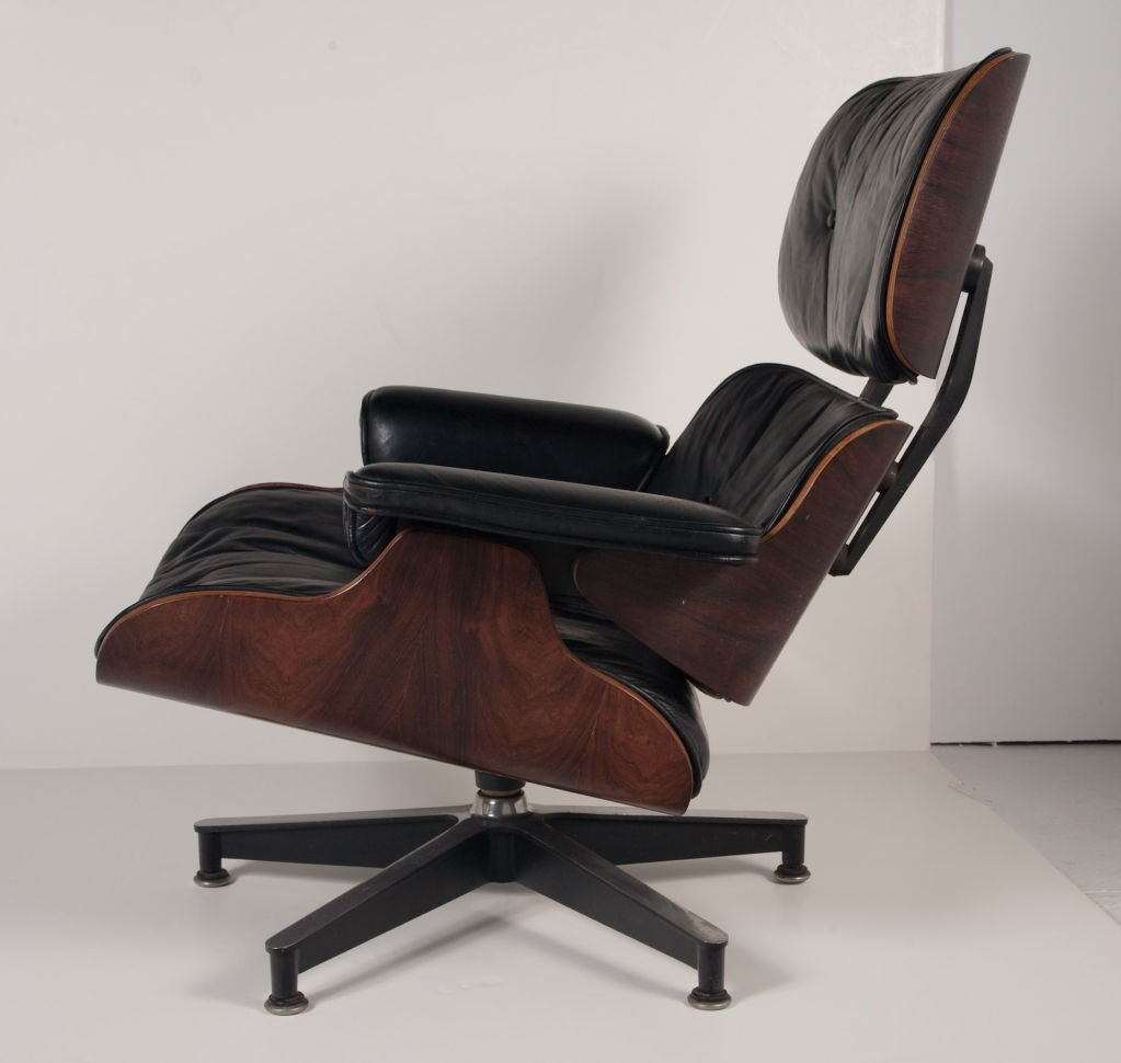 Exceptional Chair and Ottoman by Charles Eames for Herman Miller In Excellent Condition In New York, NY