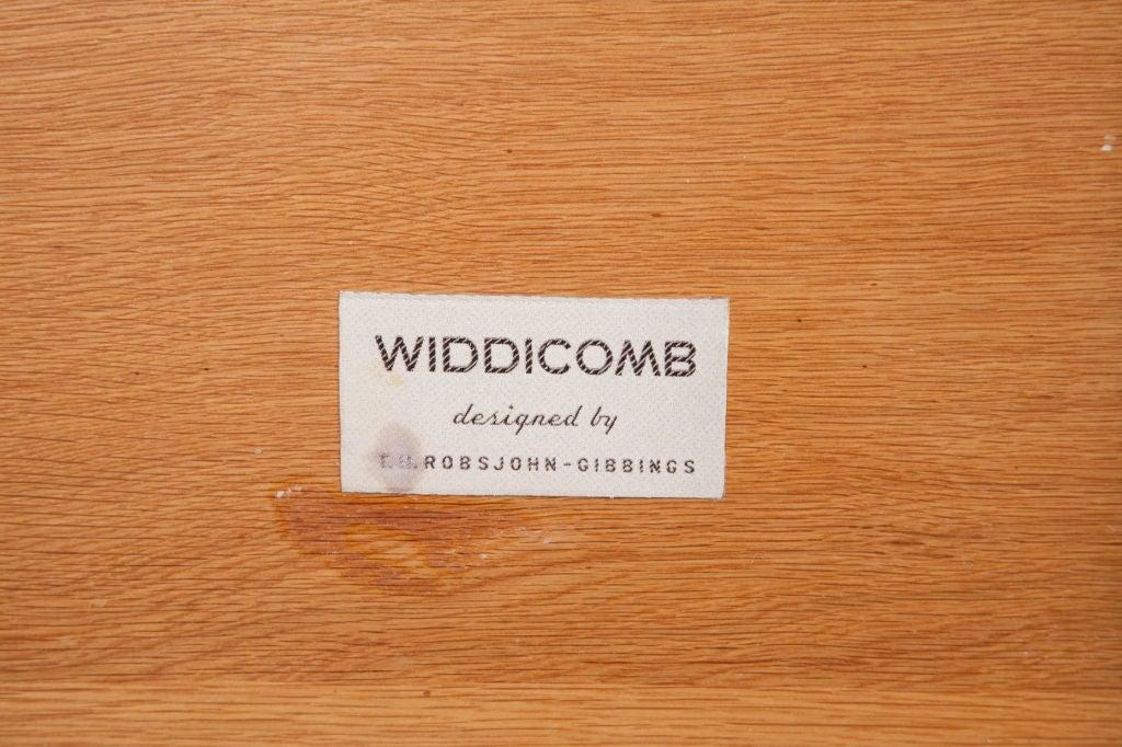 Mid-Century Modern Pair of Top Drawer Nightstands by T.H. Robsjohn-Gibbings for Widdicomb For Sale