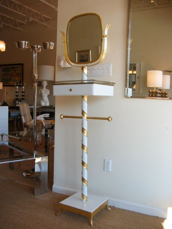Gold Leaf and Lacquered Swivel Mirror Stand Italian Mid-Century Modern In Good Condition For Sale In North Miami, FL