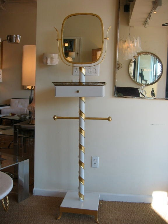 Venetian Italian MidCentury Modern Gilded and Lacquered Swivel Mirror Stand In Good Condition For Sale In North Miami, FL
