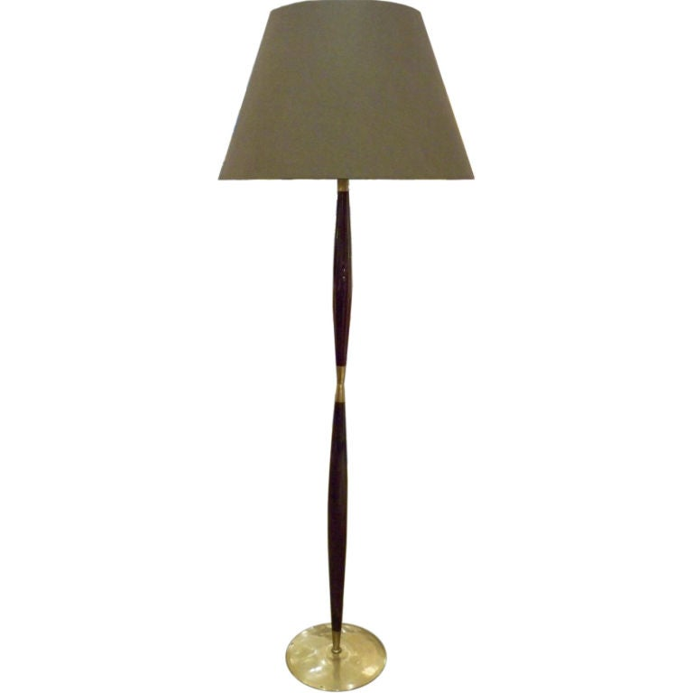 a mid century floor lamp in mahogany and brass at 1stdibs. Black Bedroom Furniture Sets. Home Design Ideas