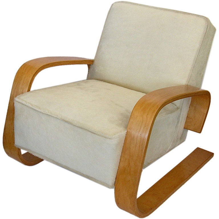 Early original alvar aalto tank chair in hair on hide at for Alvar aalto chaise
