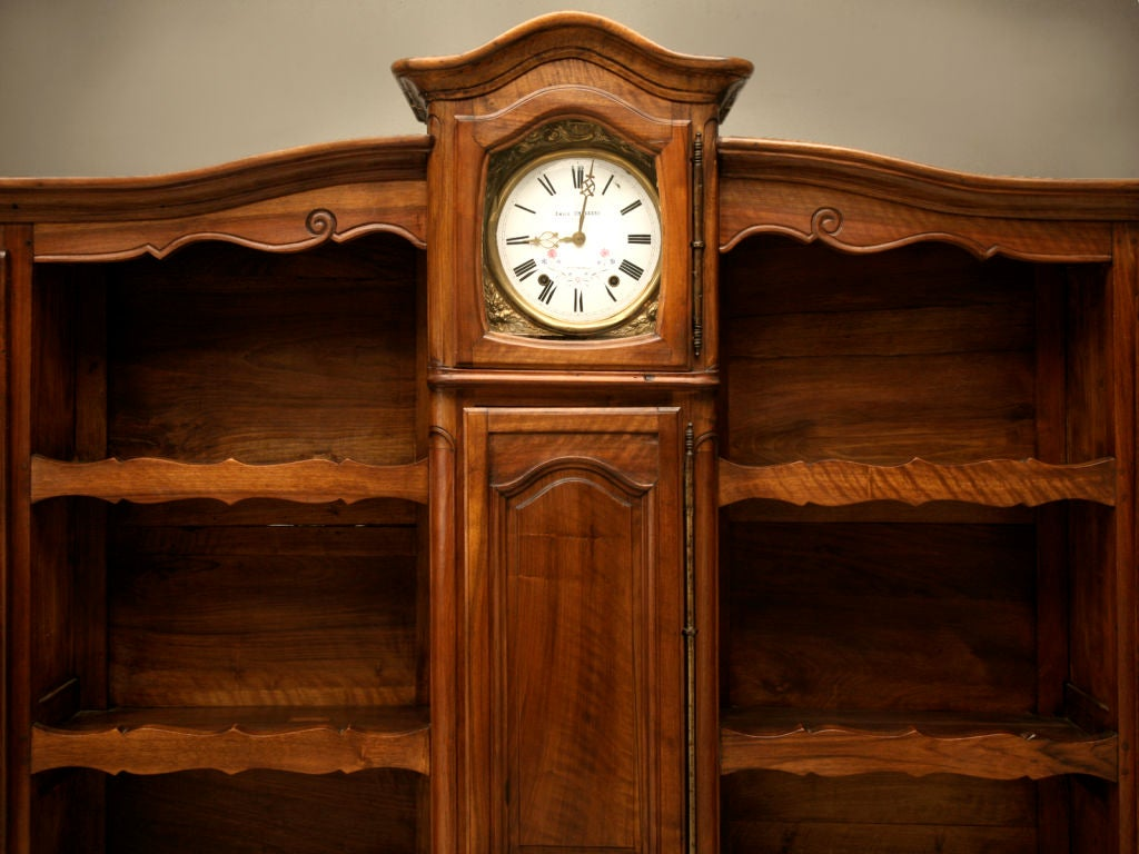 antique french walnut louis xv vaisselier with clock. Black Bedroom Furniture Sets. Home Design Ideas
