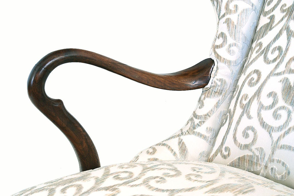 English Mahogany Queen Anne Style Open Armchair For Sale 1