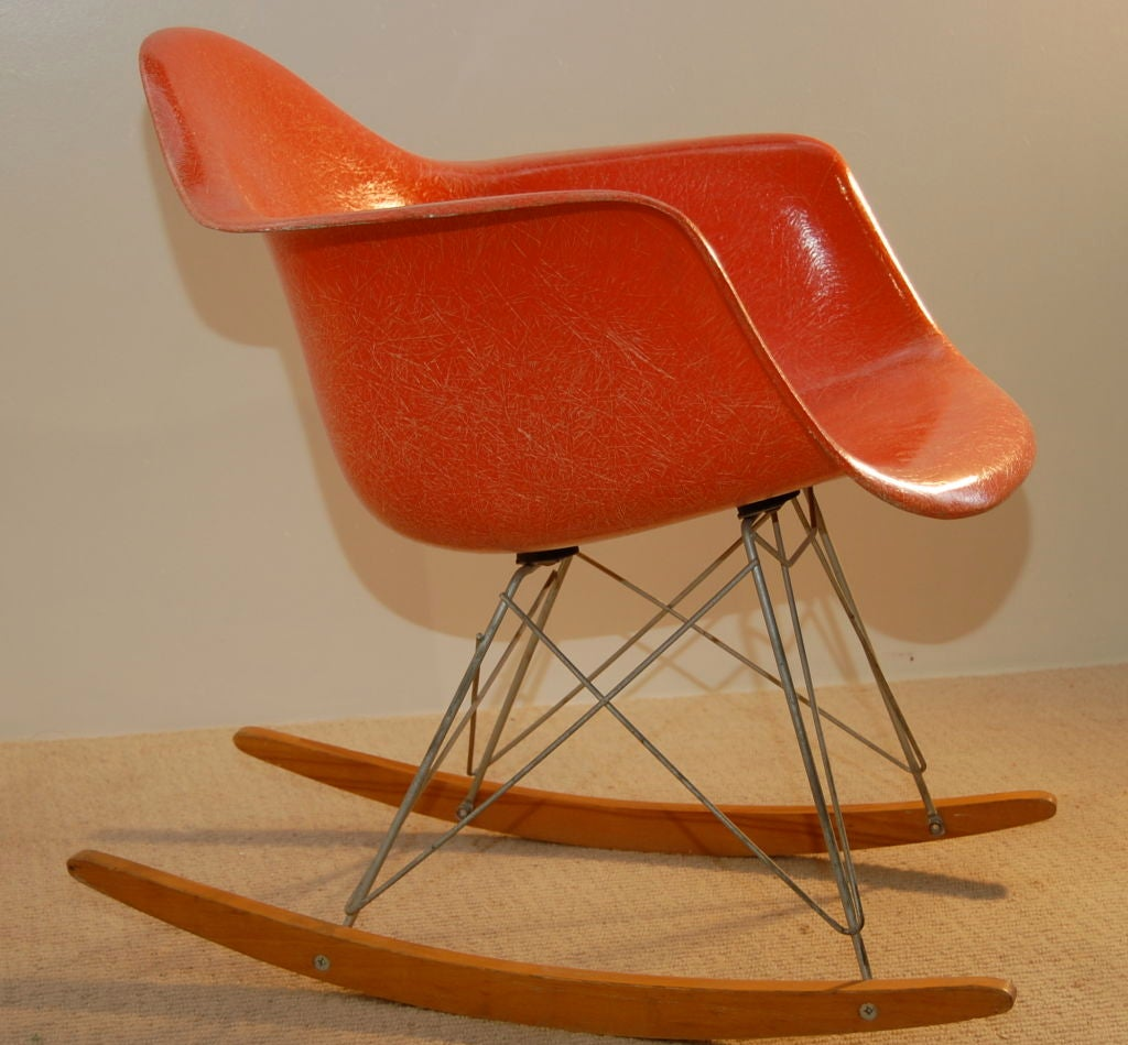 charles and ray eames rocking chair at 1stdibs. Black Bedroom Furniture Sets. Home Design Ideas