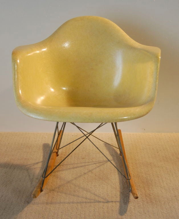 charles and ray eames rare first year rocking chair at 1stdibs. Black Bedroom Furniture Sets. Home Design Ideas