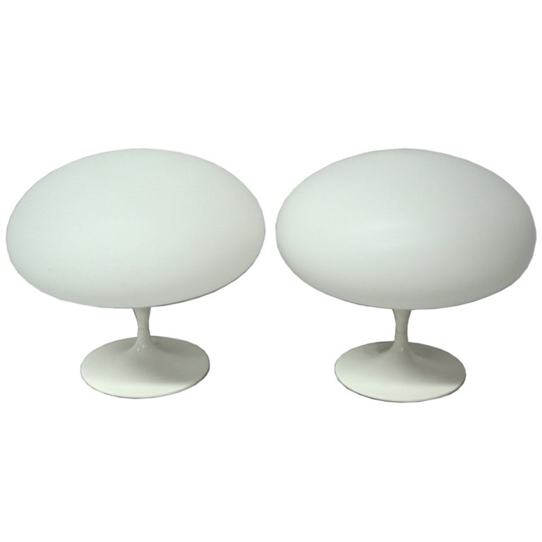 pair of glass globe table lamps by laurel at 1stdibs. Black Bedroom Furniture Sets. Home Design Ideas