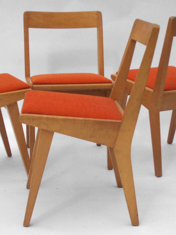 A Set Of Four Maple Dining Chairs By Jens Risom For Knoll At 1stdibs