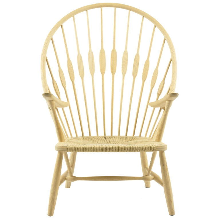 Peacock lounge chair by Hans Wegner