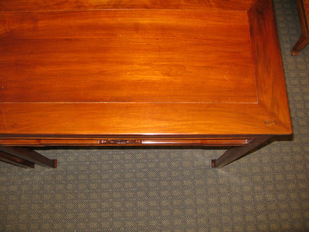 Pair of Chinese Early 19th Century Walnut Side Tables For Sale 2